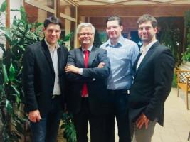 Martin Lücke, oberfränkischer Kandidat für das europäische Parlament mit Vorsitzendem Stefan Sauerteig, Stadtrat Dominik Sauerteig und stv. Vorsitzenden Maximilian Rühl