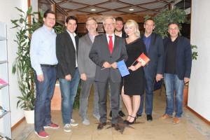 Zum Gratulantenkreis zählten auch 3. Bürgermeister Thomas Nowak, Landrat und Landtagskandidat Michael Busch und SPD Kreisvorsitzender Carsten Höllein